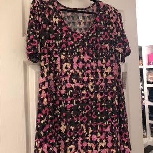 NWT LULAROE size medium perfect t